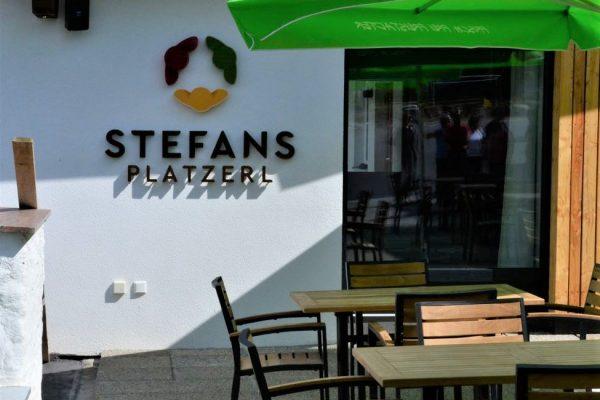 """Da neu errichtete Gebäude der """"WIRzHaus-Genossenschaft"""" in St. Stefan-Afiesl."""